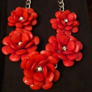 Red faceted statement necklace New❤️